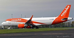 G-EZPX EASYJET AIRBUS A320 NEWCASTLE (toowoomba surfer) Tags: airline airliner aviation aircraft jet aeroplane ncl egnt