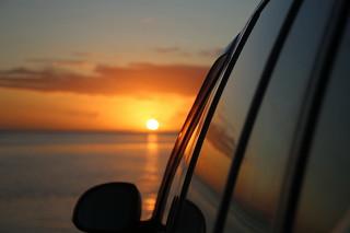 Reflet du Sunset sur une voiture