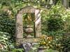 LR-8130045 (hunbille) Tags: london england towerhamlets tower hamlets cemetery grave graves magnificent seven magnificentseven towerhamletscemeterypark park mileend bow eastend east end headstone birgittelondon20173lr urn