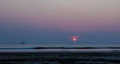 Setting Sun - _TNY_2203P3 (Calle Söderberg) Tags: canon canon5dmkii canoneos5dmarkii tamronafsp247028divcusd tamron tamronsp2470mmf28divcusd 2470 thailand kohlanta klongdao klongdaobeach beach sunset sun wawes sea water boat andamansea wave kolorautopanogiga panorama f8 sky ocean seaside evening sand
