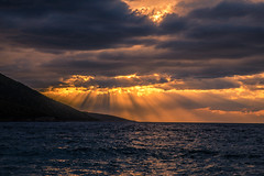Sun rays (Vagelis Pikoulas) Tags: sun rays sunset canon sky clouds cloudy cloud dramatic landscape sea seascape porto germeno greece tokina autumn 2017