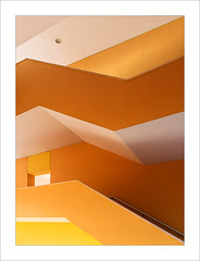 En l'escala / In the stairwell (ximo rosell) Tags: ximorosell color stairs groc amarillos yellow arquitectura architecture abstract abstracció buildings nikon d750 detall interiors interiores llum luz light llums