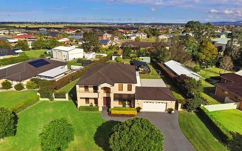 240 Somerset Drive, Thornton NSW