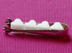 Macro Mondays Sugar&Sugar Tongs (BrigitteE1) Tags: macromondays memberschoicefoundinthekitchen hmm sugartongs sugar zucker zuckerzange happymacromondays
