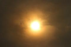 Strange Light, Shawbury, Shropshire 16/10/2017 (Gary S. Crutchley) Tags: shawbury shropshire hurricane storm ophelia yellow light strange weather weird
