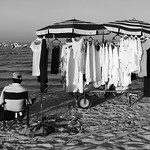 i clienti verranno dal mare?/would customers come from the sea? thumbnail