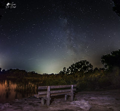 Le stelle sono buchi nel cielo da cui filtra la luce dell'infinito. (lulo92) Tags: lake lago mare sea acqua water seascapes landscapes nightscapes alimini otranto laghi panchina nature natura wilde passion photo nikon top ikon milk way milkway stelle via lattea stella star stars samyang samyang14mm dark darkness night light luce