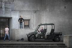 Goed bezig voor de deur van Radio Kootwijk (Bram Meijer) Tags: kootwijkerzand radiokootwijk kootwijk staatsbosbeheer veluwe photoshoot fotoshoot nederland netherlands grijs gray architecture architectuur juliusluthmann
