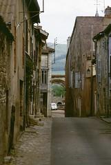 Cluny (Saône et Loire) (Cletus Awreetus) Tags: france bourgogne saôneetloire cluny maison ville rue