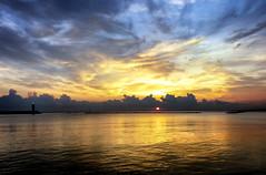 Al mar eche un poema ... (Gio_ guarda_le_stelle) Tags: mar sunrise soul corazon barco luce vida light life alba landscape seascape patmetheny poetry poesia calma quiete atmosfera silenzi nostalgia partenze miricordo papà