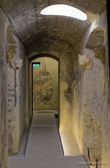 Visite de la Basilique - La crypte et ses trésors (Olivier_1954) Tags: balades typecontruction basilica boulogne edificesreligieux visite balade basilique walk