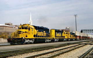ATSF 5081 west in Joiet, Illinois on October 15, 1994.