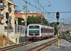 Olesa de Montserrat 23.06.2017 (The STB) Tags: fgc ferrocarrilsdelageneralitatdecatalunya carrilet la llobregatanoia catalans catalanes víaestrecha víamétrica narrowgauge schmalspurbahn