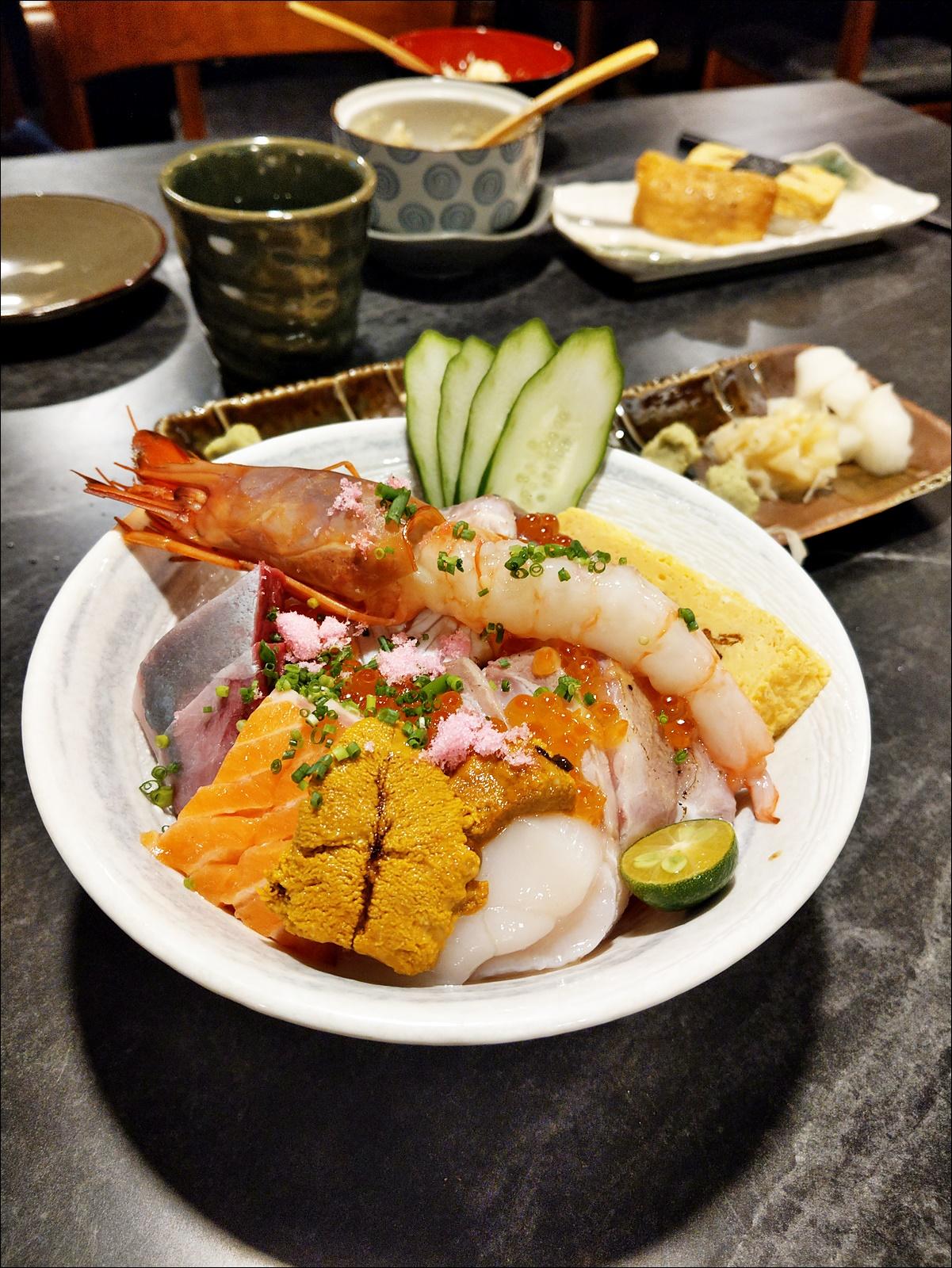 錵鑶日本料理台中文心店