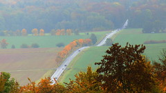 Rolling hills ... (buidl-lemmy) Tags: rasenallee avenue autumn colors green yellow grün gelb diesig hazy herbst strase hügelig hilly