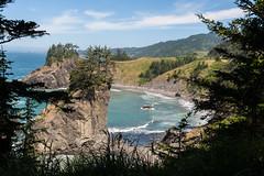 Hwy 101 CA-OR July 2018-37 (ntisocl) Tags: 2017 archrockviewpoint canon1dmarkiii canonef2470mmf28lusm hwy101 oregon oregoncoasthwy oregoncoast pacificnorthwest pacificocean coastline roadtrip rockybeach waves