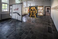 PERPETUAL UNCERTAINTY - David Mabb - A Provisional Memorial to Nuclear Disarmament - 2015 (Z33 House for Contemporary Art) Tags: z33hasseltlimburgzuivelmarkt perpetual uncertainty perpetualuncertainty tentoonstelling exhition oneindigeonzekerheid 2017 begijnhofhuisjes begijnhof hedendaagsekunst huisvoorhedendaagsekunst nucleair antropoceen kunst kunstenaars radioactiviteit nucleairtijdperk straling kennis tijd archieven herinneringen onderzoeksproject nuclearculture elecarpenter ilshuygens rondetafelgesprekken dessel mol hades z33research artists experiencesofnuclearpower knowledge deeptimeofradiation radiation nuclearanthropocene nuclearweaponstesting theartscatalyst goldmiths tablediscussions thefuture z33 kristofvrancken davidmabb williammorris kernonderzeeërs slogans protest protestborden rozenprints antinucleair