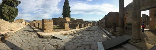 Narrow streets of Pompeii