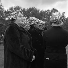 The Wise Women (RoryO'Bryen) Tags: roryobryen copyrightroryobryen woen women mujeres paz peace rolleiflex mediumformat mittelformat formatomedio 120mm 6x6 trix rodinal