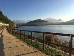 Passeggiata sul lago di Lugano Magliaso direzione Agno (CANETTA Brunello) Tags: passeggiata acqua lago montagne lugano