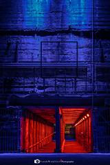Lapadu mit 70-200mm (mr.wohl) Tags: lapadu landschaftspark duisburg pott ruhrgebiet denkmalhochofen ruine denkmal sigma sigma70200m nacht nachtaufnahme langzeitbelichtung gang rot blau