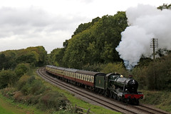 6990 hammers through Kinchley lane (Andrew Edkins) Tags: 6990 witherslackhall hallclass greatwestern gwr kinchleylane railwayphotography travel trip leicestershire england uksteam rothley light preservedrailway geotagged canon greatcentralrailway steamgala