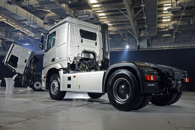 Actros-12
