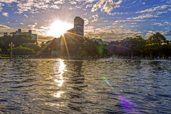 Cuando el sol se va (Wal Wsg) Tags: cuandoelsolseva sol sun sunset sunlight atardecer atardece atardeceres atardecerenlaciudad ocaso canoneosrebelt3 phwalwsg dia day