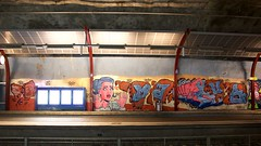 Malminkartanon asematunneliin maalattiin yksi Helsingin ja koko Suomen suurimmista katutaideteoksista. Malminkartanon juna-aseman betoninharmaat seinät täyttyvät väreistä lokakuun ensimmäisenä viikonloppuna 7.–8.10.2017, kun yli 230-metrinen asematunneli