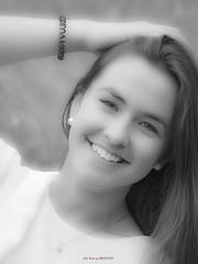 Itxaso (Jabi Artaraz) Tags: enelequilibriodetusemociones detuselementos hallarástucentro jabiartaraz jartaraz zb euskoflickr retrato nena niña itxaso portrait