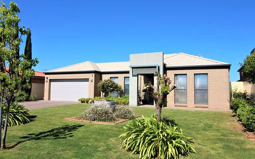 26 Calabria Rd, Griffith NSW 2680