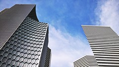 Singaporean textures (SmartFireCat) Tags: singapore singaporean singapur singapura singapour architecture arquitectura architektur skyscrapers skyscraper rascacielos rascacielo towers tower torre torres tours tour menara gabaude gabäude turm turme sky ciel cielo himmel blue blau bleu azul azure lumia microsoft microsoftlumia lumia950xl lumia950 950 950xl pureview duo gateway beach road andaz abbot bugis