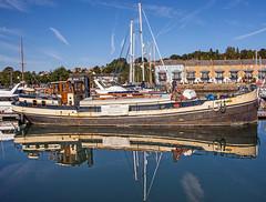 zeelandia Portishead Marina (tramsteer) Tags: transport tramsteer portishead marina sky bluesky barge reflections