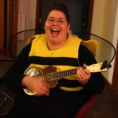 Bzzzz Bzzz Bzzzz! (ruthlesscrab) Tags: bee costume disfraz april ukulele