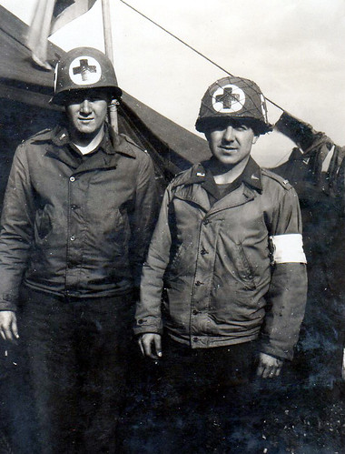 Harry Zell (right) on the battlefield in WWII in southern Europe