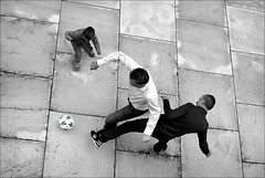 game boys (bostankorkulugu) Tags: mumok museummodernerkunststiftungludwigwien museum game ball kid dad child joy kunst visitor modernartmuseum modernart vienna wien austria men monochrome korkut bostan bostanci bostankorkulugu football soccer white black österreich museumsquartier mq geometry graphism graphics