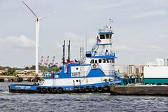 r_170921351_beat0057_a (Mitch Waxman) Tags: killvankull newyorkcity newyorkharbor statenisland tugboat newyork