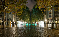 original (Hagbard_) Tags: dresden night nightshot availablelight light licht punkte farben