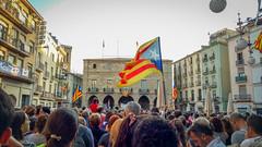 The revolution of smiles. Visca Catalunya! (MPC.76) Tags: catalunya cataluña catalonia democracia cemocracy manresa bages europe riots manifestacion manifestacio plag bandera senyera estelada