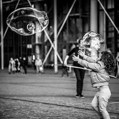 Bubbles buzzed in spiral eyes (.KiLTRo.) Tags: 7dwf square georgespompidou bubble paris4earrondissement îledefrance france fr kiltro street paris lemarais kid girl fun joy urban museum play