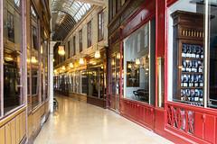 Passage du Bourg-l'Abbé (Paris) (cl_p) Tags: paris architecture patrimoine galerie passage passagecouvert devanture boutique lanterne vin bouteille passagedebourglabbé street city