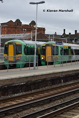 377705 and 377212 at Clapham Junction, 7/10/17 (hurricanemk1c) Tags: 377705 377212 railways railway train trains 2017 claphamjunction southern southernrailway bombardier elecrostar class377 class3777