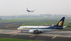 Jet Airways (vomm_aviationpictures) Tags: plane spotting planespotting canon 1200d canon1200d aircraft aviation airplane airline airways jet jetairways 9w mumbai bom airport aerodrome taxi runway sky fog weather foggy climate green scenery city grass cockpit goair go air g8