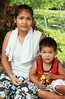 mother and son (the foreign photographer - ฝรั่งถ่) Tags: mother son sitting khlong thanon portraits bangkhen bangkok thailand canon