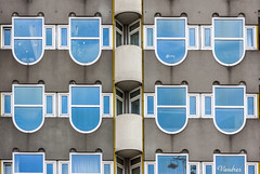 HOTI102014-266R_FLK (Valentin Andres) Tags: blue holanda holland rotterdam thenetherlands building city edificio facade fachada house