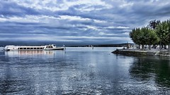 Arriving now. (j૯αท ʍ૮ℓαท૯) Tags: waterscape lakescape lakeview lake konstanz constance germany landscape beautyinnature