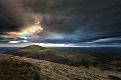 Pinnacle (Geoff Moore UK) Tags: malvernhills northhill cold dark wet chilly mountain sunset lateafternoon nearlynighttime