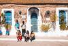 What should we do? (Leo Hidalgo (@yompyz)) Tags: أصيلة aṣīla assilah marruecos المغرب almaġrib morocco waiting people house trip travel fun