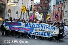 Kick them out! Faschos verpisst euch! Nazizentrum dichtmachen! – 28.10.2017 – Halle (Saale) – IMG_5809 (PM Cheung) Tags: kickthemoutfaschosverpissteuchnazizentrumdichtmachen antifademo identitärebewegungib schulungszentrum rechtspopulisten neonazis afd bundestagswahlen2017 rechtsruck pegida refugeeswelcome hal2810 faschosverpissteuchnazizentrumdichtmachen pmcheung antifa proteste hallesaale sachsenanhalt polizei demonstration pomengcheung alternativefürdeutschland rassismus flüchtlinge bundesregierung angelamerkel flüchtlingspolitik asylpolitik 2017 mengcheungpo aufstehengegenrassismus antiafddemo facebookcompmcheungphotography hansthomastillschneider kickthemout einprozentbewegung identitären adamkuckhoffstrase einprozent antifademonstration protest