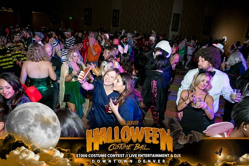 "Halloween Costume Ball 2017 • <a style=""font-size:0.8em;"" href=""http://www.flickr.com/photos/95348018@N07/24225115038/"" target=""_blank"">View on Flickr</a>"
